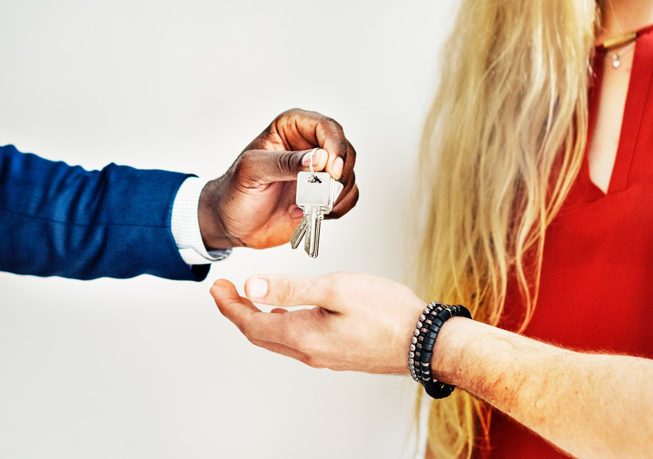 what does you estate agent actually do?
